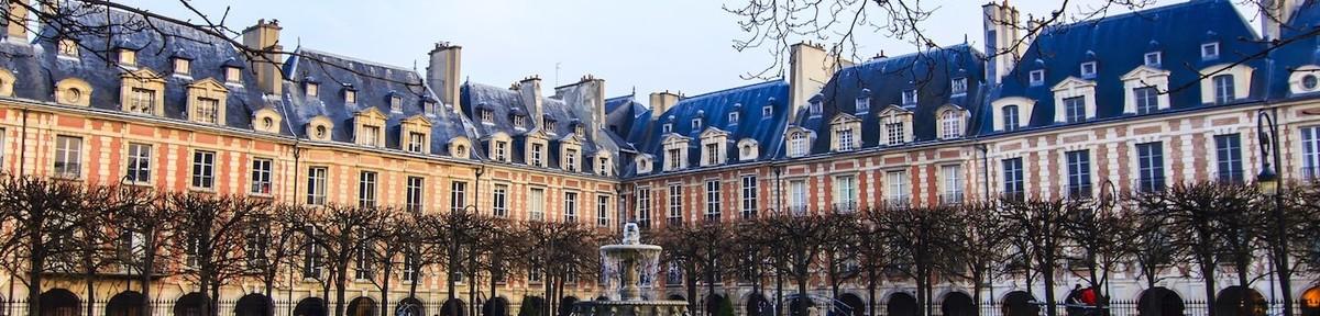 La Place des Vosges dans Le Marais